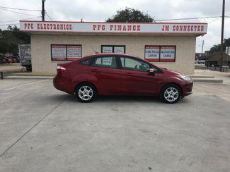 2014 Ford Fiesta SE Devine, Texas 2