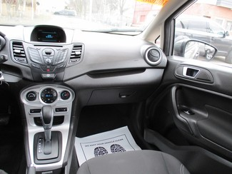 2014 Ford Fiesta SE Milwaukee, Wisconsin 13