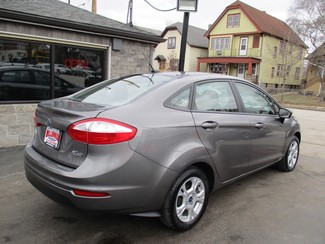 2014 Ford Fiesta SE Milwaukee, Wisconsin 3