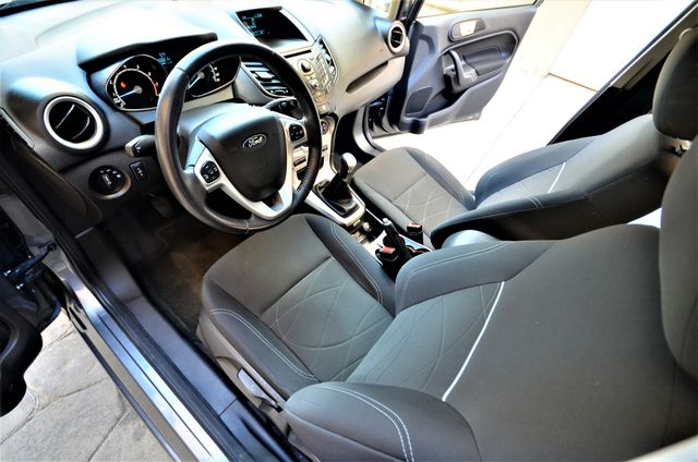 2014 Ford Fiesta SE Reseda, CA 7