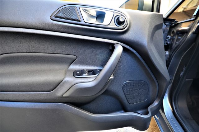 2014 Ford Fiesta SE Reseda, CA 30