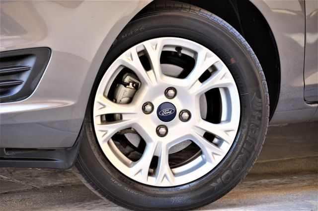 2014 Ford Fiesta SE Reseda, CA 19