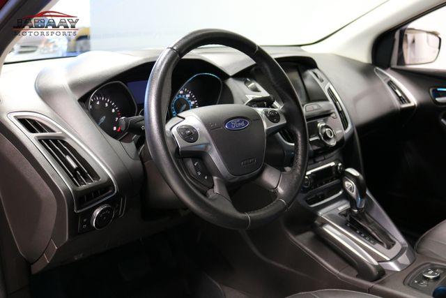 2014 Ford Focus Titanium Merrillville, Indiana 9