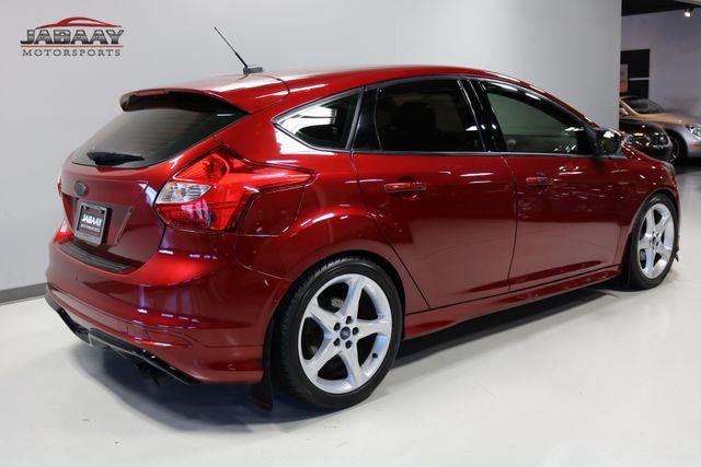 2014 Ford Focus Titanium Merrillville, Indiana 4
