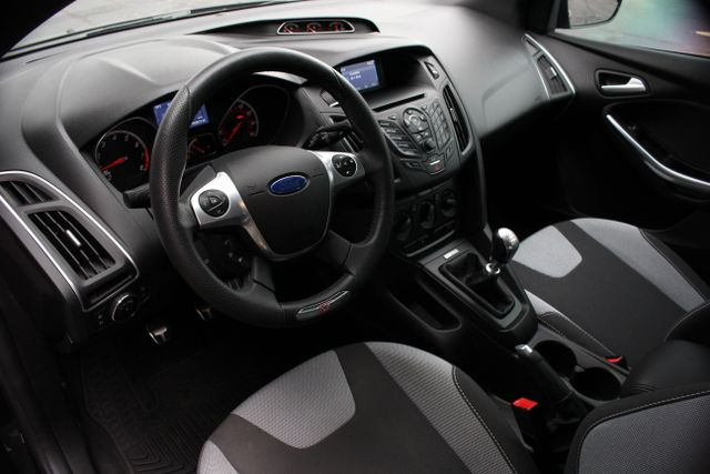2014 Ford Focus ST Mooresville , NC 11