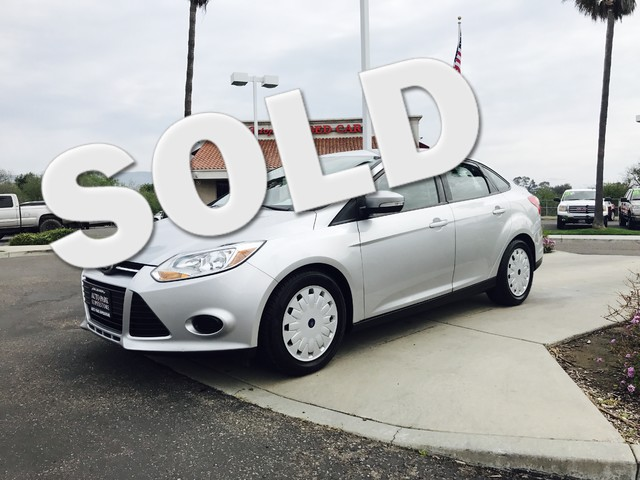2014 Ford Focus SE This is a 2014 Ford Focus SE Silver Exterior Black Cloth Interior Automatic