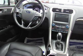 2014 Ford Fusion SE W/ NAVIGATION SYSTEM/ BACK UP CAM Chicago, Illinois 28
