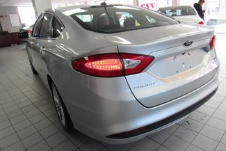 2014 Ford Fusion SE W/ NAVIGATION SYSTEM/ BACK UP CAM Chicago, Illinois 5