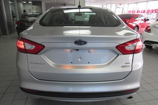 2014 Ford Fusion SE W/ NAVIGATION SYSTEM/ BACK UP CAM Chicago, Illinois 4