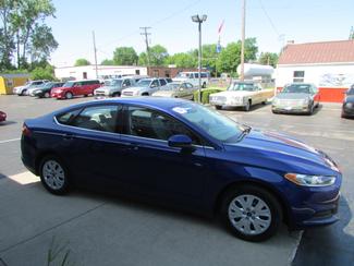 2014 Ford Fusion S Fremont, Ohio 2
