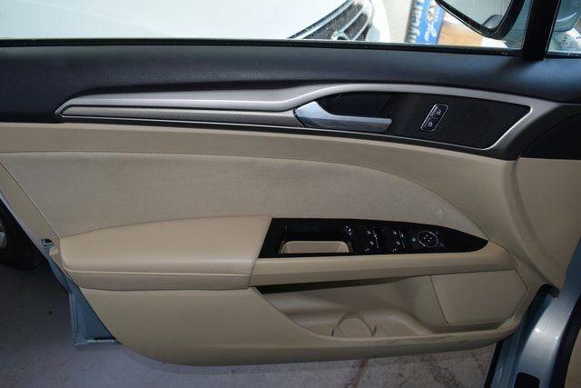 2014 Ford Fusion Hybrid SE Richmond Hill, New York 28