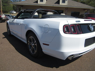2014 Ford Mustang V6 Premium Batesville, Mississippi 12