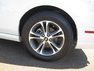 2014 Ford Mustang V6 Premium Batesville, Mississippi 18
