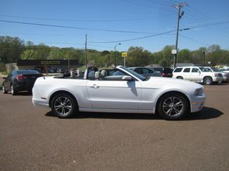 2014 Ford Mustang V6 Premium Batesville, Mississippi 3