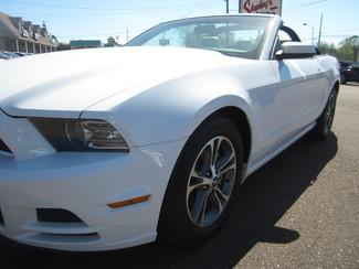 2014 Ford Mustang V6 Premium Batesville, Mississippi 9