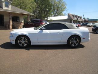 2014 Ford Mustang V6 Premium Batesville, Mississippi 17