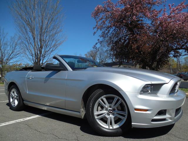 2014 Ford Mustang V6 Leesburg, Virginia 0