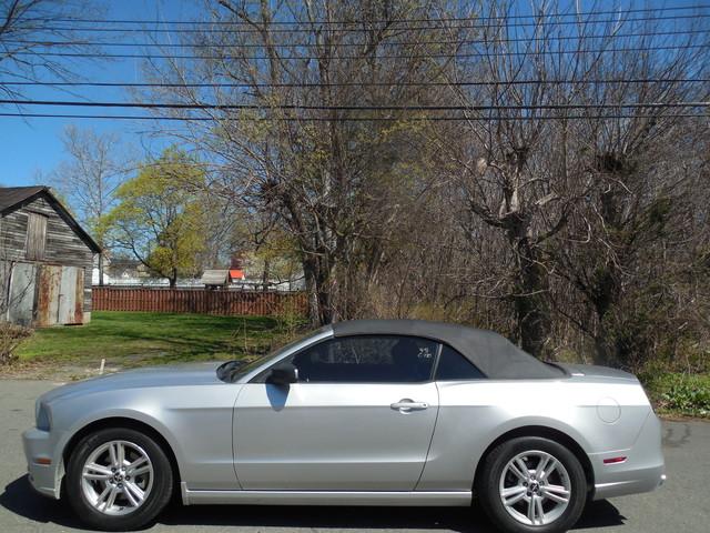 2014 Ford Mustang V6 Leesburg, Virginia 9