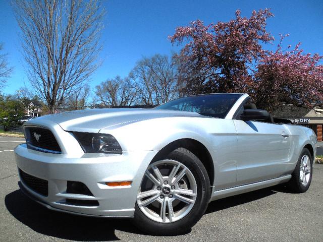 2014 Ford Mustang V6 Leesburg, Virginia 1