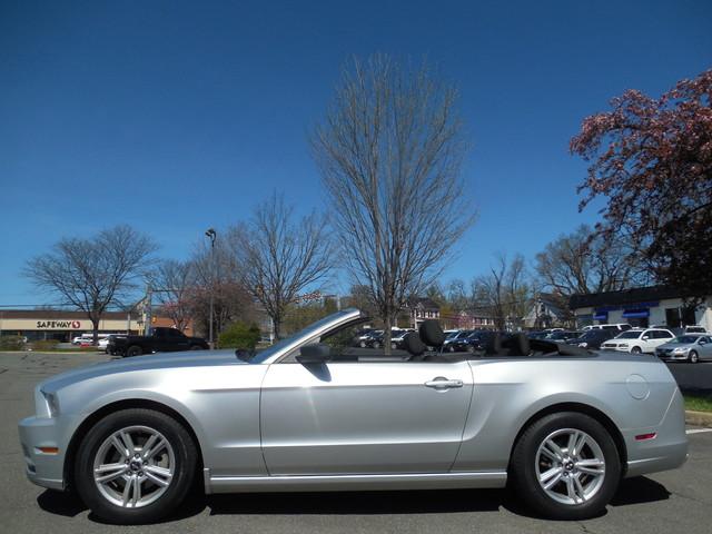 2014 Ford Mustang V6 Leesburg, Virginia 5