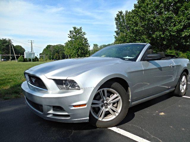 2014 Ford Mustang V6 Leesburg, Virginia 7