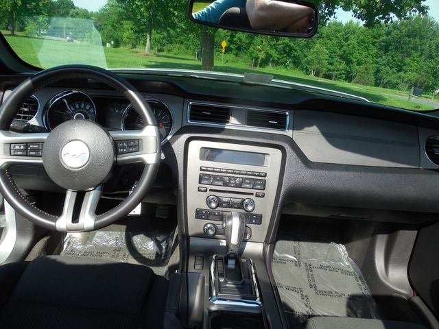 2014 Ford Mustang V6 Leesburg, Virginia 36