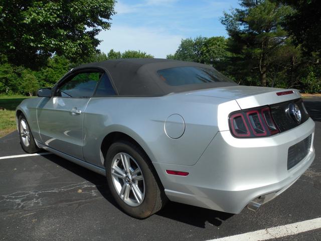 2014 Ford Mustang V6 Leesburg, Virginia 3