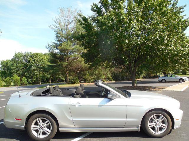 2014 Ford Mustang V6 Leesburg, Virginia 10