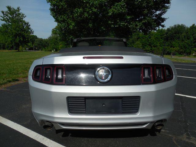 2014 Ford Mustang V6 Leesburg, Virginia 8