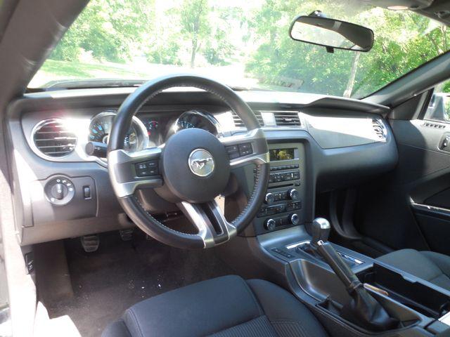 2014 Ford Mustang V6 6-Speed Manual Leesburg, Virginia 12