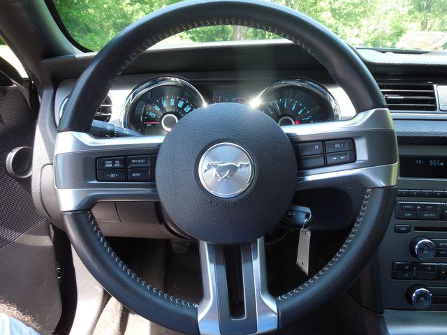 2014 Ford Mustang V6 6-Speed Manual Leesburg, Virginia 17