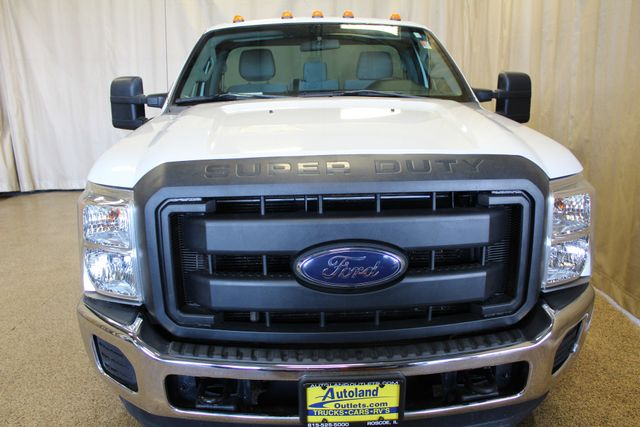 2014 Ford Super Duty F-350 Dually XL Roscoe, Illinois 3