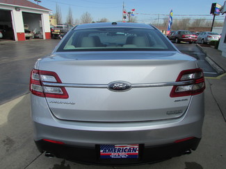 2014 Ford Taurus SE Fremont, Ohio 1