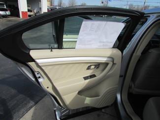 2014 Ford Taurus SE Fremont, Ohio 10