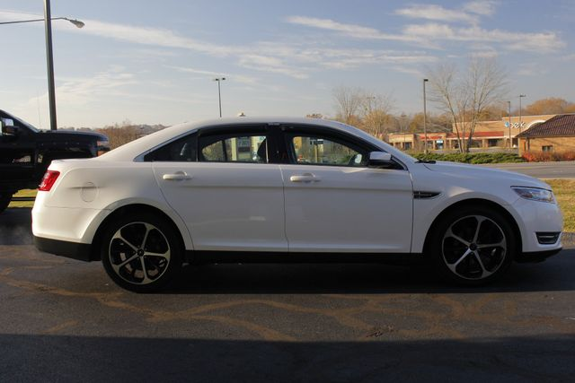 2014 Ford Taurus SEL FWD - LUXURY EDITION - HEATED LEATHER! Mooresville , NC 12