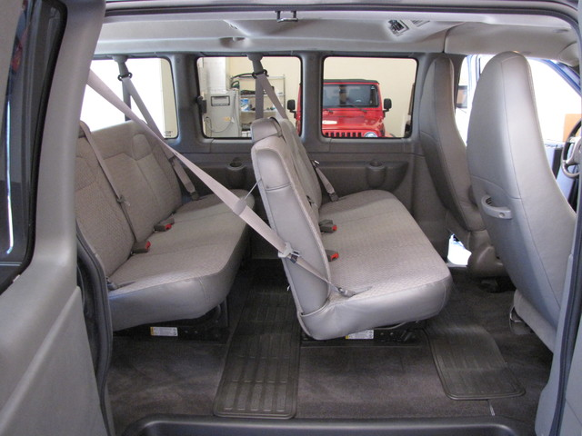 2014 GMC Savana Passenger AWD 1LT Jacksonville , FL 37