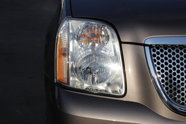 2014 GMC Yukon Denali AWD-NAV-DVD-LOW MILES! Mooresville , NC 17