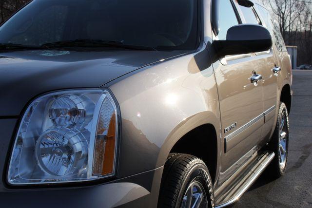 2014 GMC Yukon Denali AWD-NAV-DVD-LOW MILES! Mooresville , NC 2