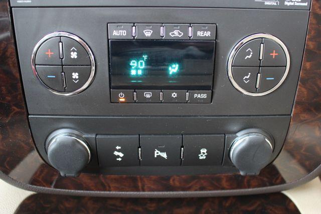 2014 GMC Yukon Denali AWD-NAV-DVD-LOW MILES! Mooresville , NC 36