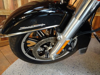 2014 Harley-Davidson Road King® Anaheim, California 17