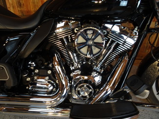 2014 Harley-Davidson Road King® Anaheim, California 4