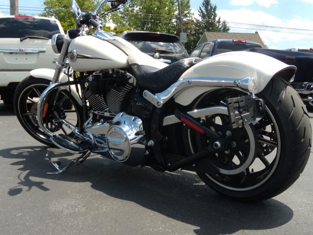 2014 Harley-Davidson Softail® Breakout® Ephrata, PA 6