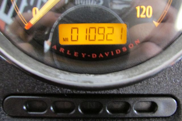 2014 Harley-Davidson Sportster® SuperLow® Arlington, Texas 22