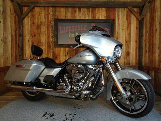 2014 Harley-Davidson Street Glide® Anaheim, California 11