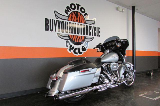 2014 Harley-Davidson Street Glide® Base Arlington, Texas 1