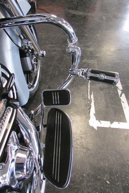 2014 Harley-Davidson Street Glide® Base Arlington, Texas 20