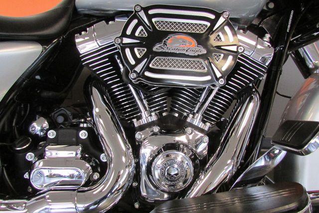 2014 Harley-Davidson Street Glide® Base Arlington, Texas 23