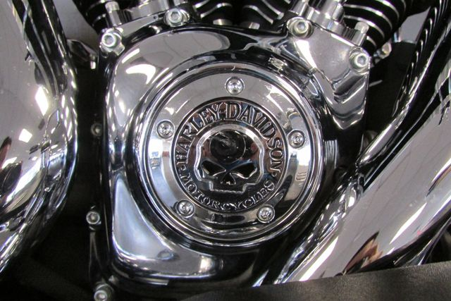 2014 Harley-Davidson Street Glide® Base Arlington, Texas 24