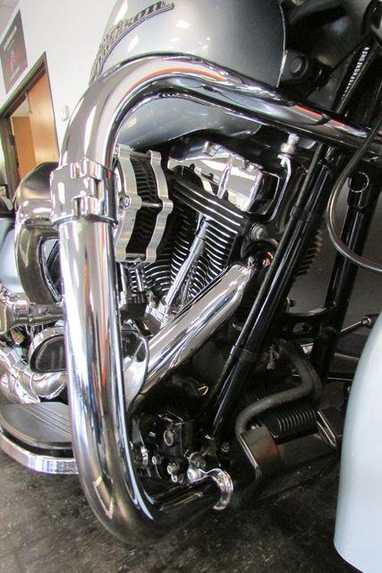 2014 Harley-Davidson Street Glide® Base Arlington, Texas 28