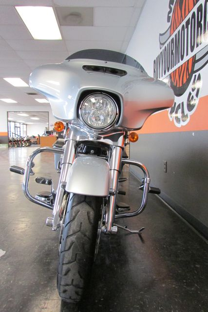 2014 Harley-Davidson Street Glide® Base Arlington, Texas 3